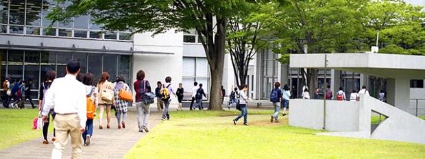 【大学卒初任給平均は・・・?】