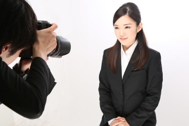 【思わず本物と見比べちゃう笑!?】キレイ撮りの就活写真スタジオ特集!