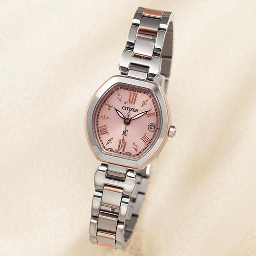 【腕時計を選ぶ際に気にするべきマナーには男女で差がある?】
