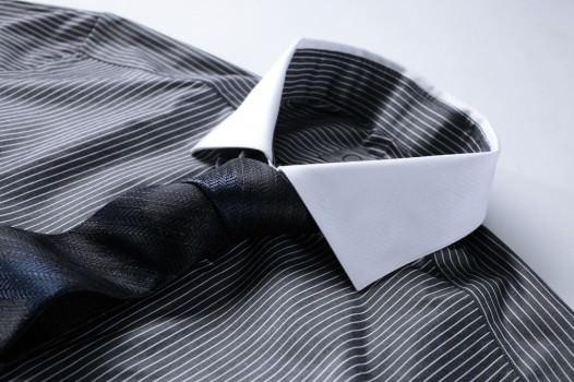 【ネクタイで個性を表現!】就活生が大切にするべきネクタイ選び