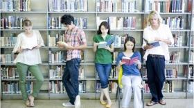 【17卒は今から海外留学?】学生時代の経験は就活に影響するのか