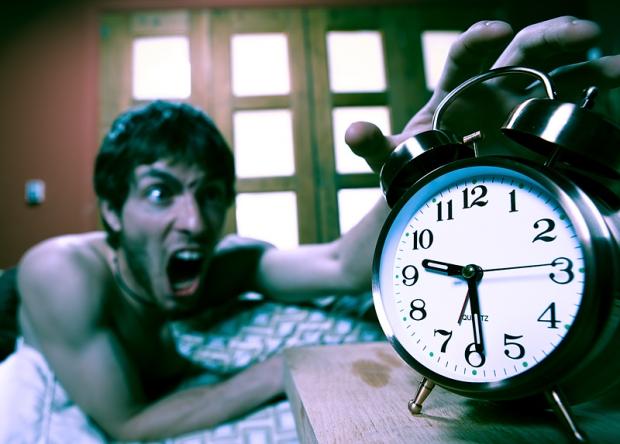 【ね、寝坊した!】「遅刻決定」した就活生の正しい対処方法と対策