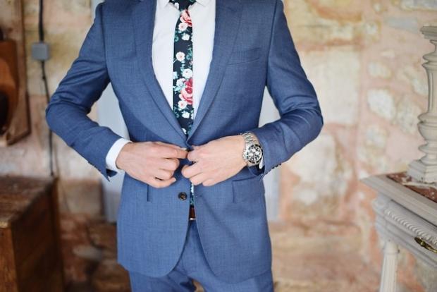 スーツの着こなしで決まる!就活で注意すべき身だしなみ!