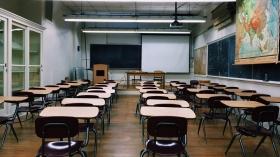 【教員採用試験?一般企業就職?】  教育系学部生必読!「教員志望の学生」「教員になるか迷っている人」のための就活のススメ